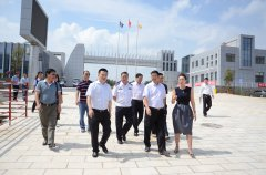 云南省交警总队总队长陈新刚、滇中产业新区常